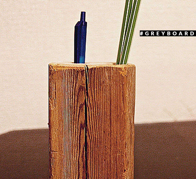 Карандашница из старой еловой доски