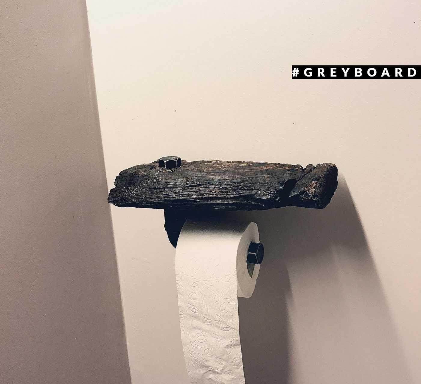 Держатель для туалетной бумаги из амбарной доски