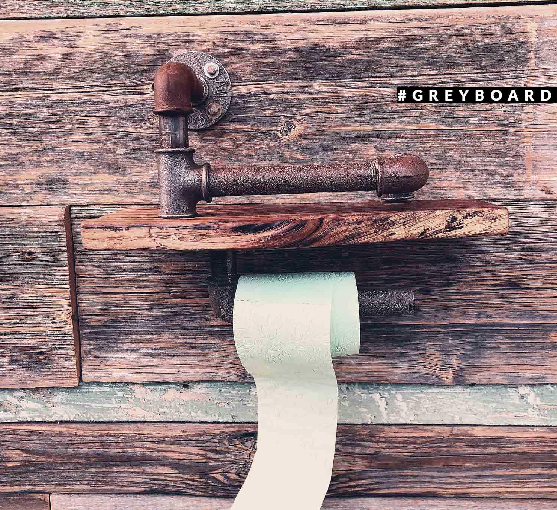 Держатель для туалетной бумаги из старой доски