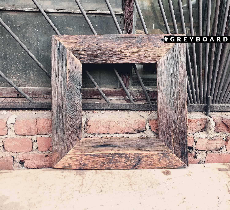 Рамка из амбарной дубовой доски