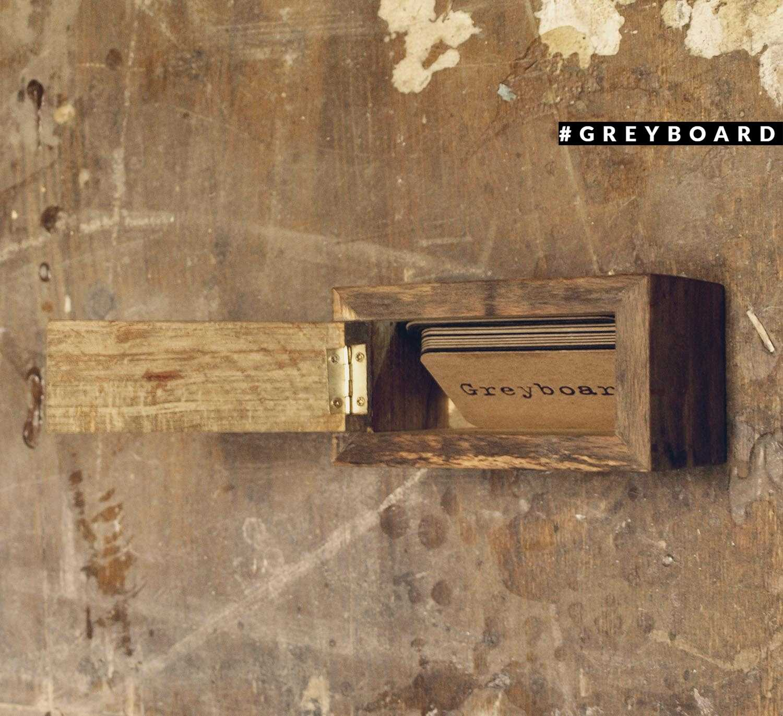 Визитница из старой буковой доски
