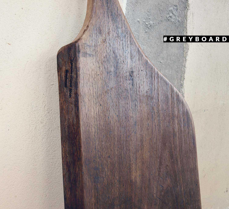 Разделочная доска из старой дубовой древесины