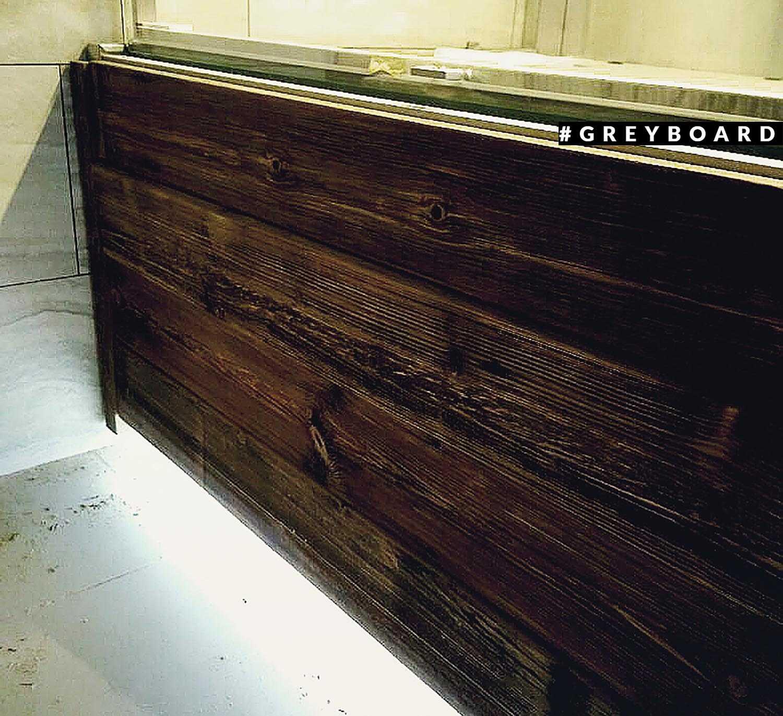 Панно из старой доски для торгового зала