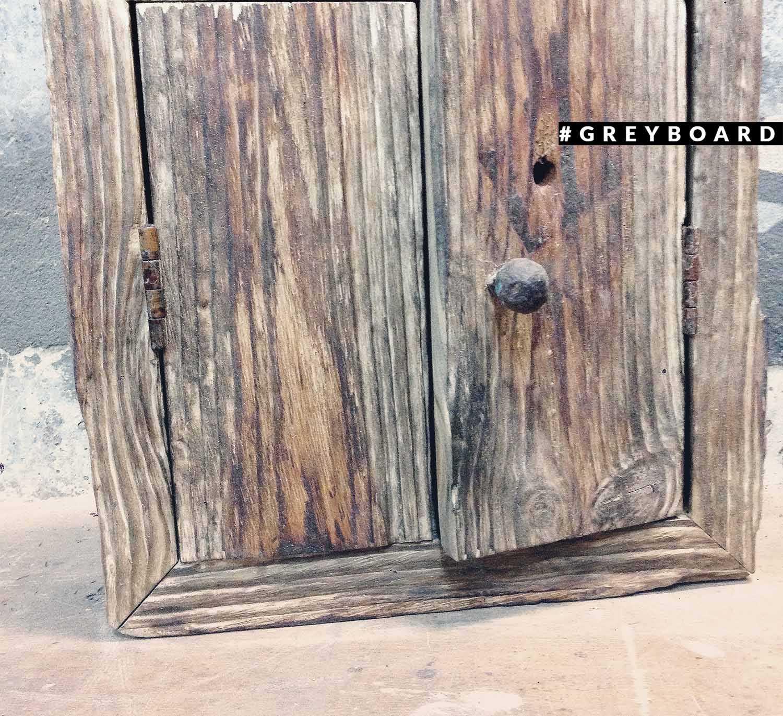 Ключница из амбарной доски