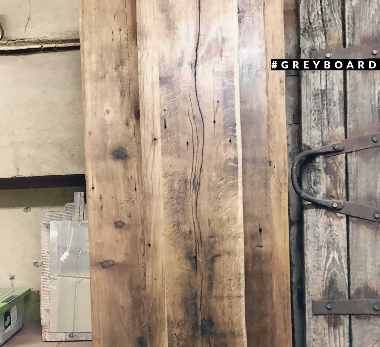 Подоконник из старой дубовой доски