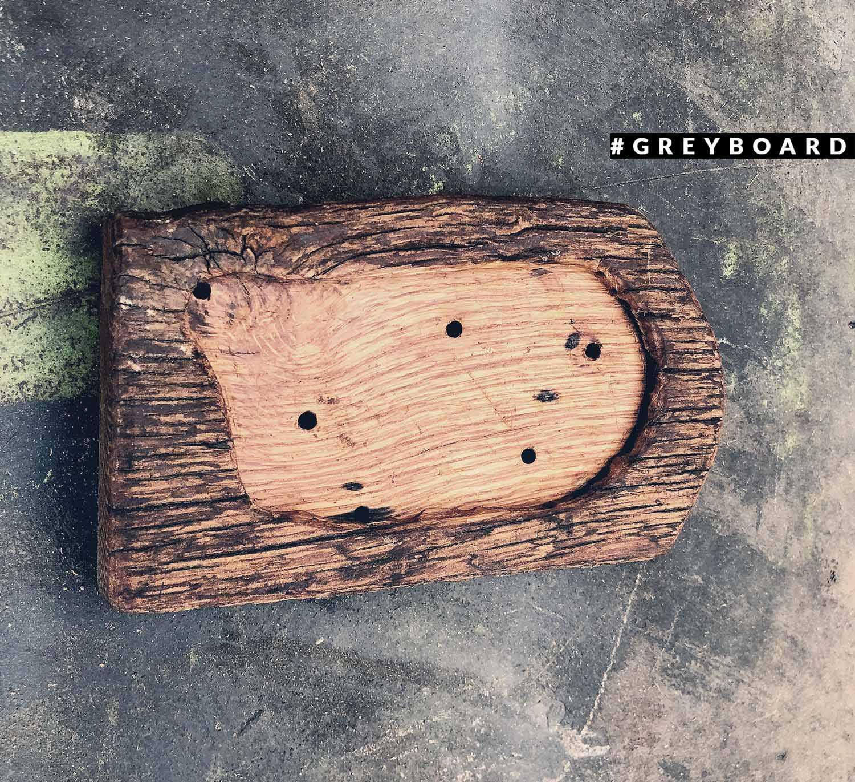 Подставка для ароматических палочек из амбарной доски