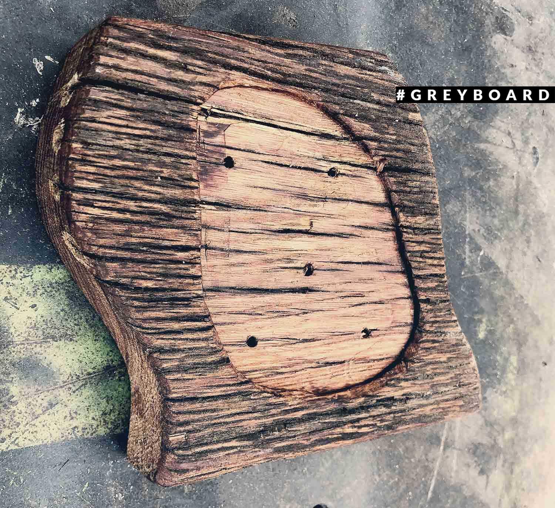 Авторская подставка из старой дубовой доски