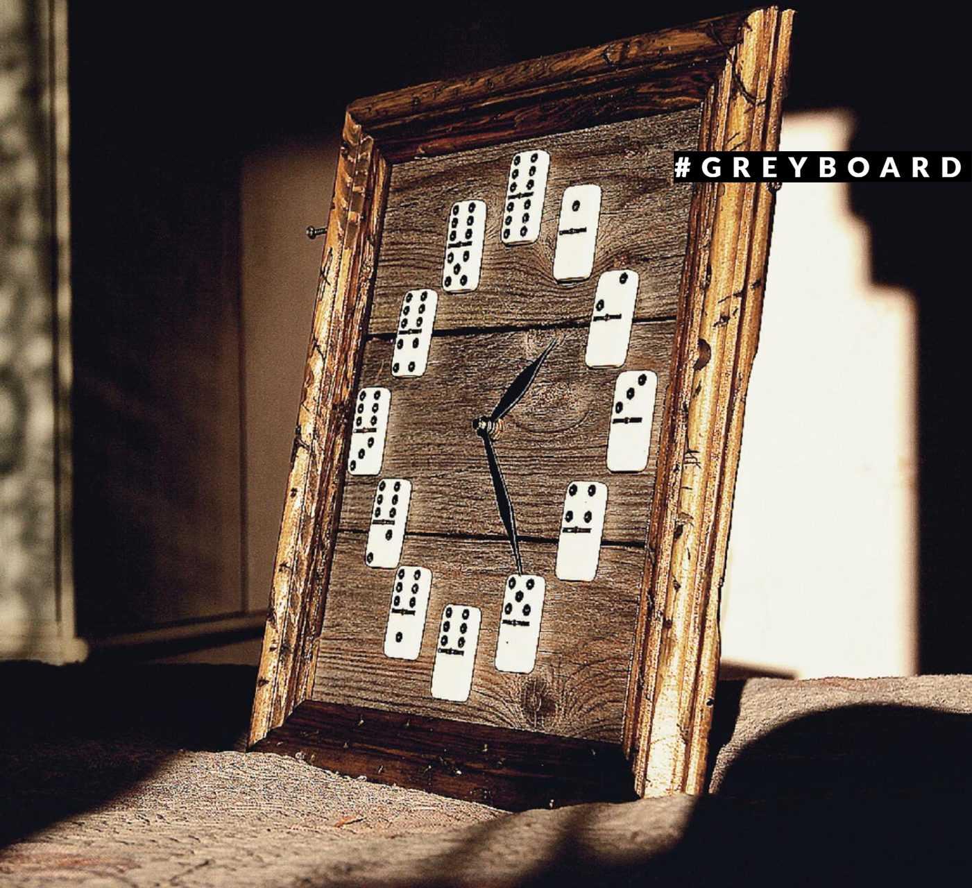 Часы из старой сосны 50-х годов