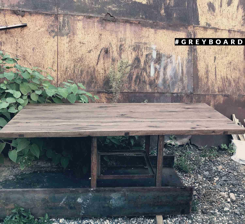 Столешница из старой доски от теплицы
