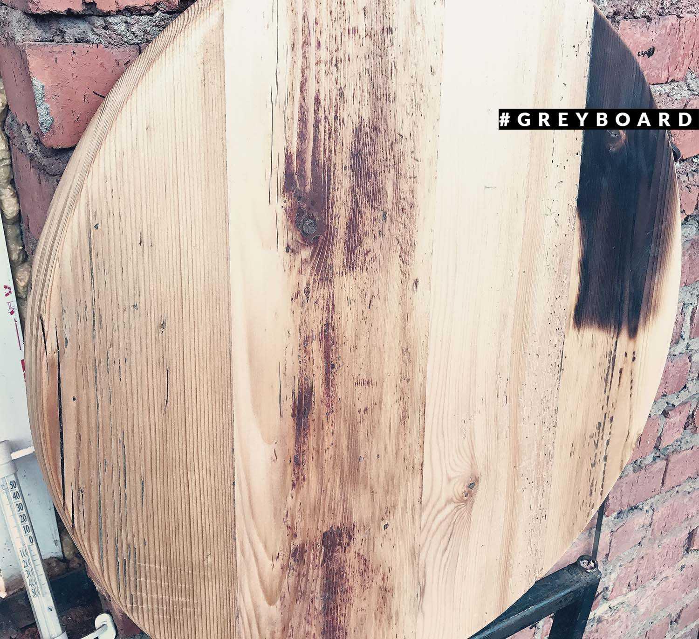 Столешница из старой доски возрастом более 150 лет