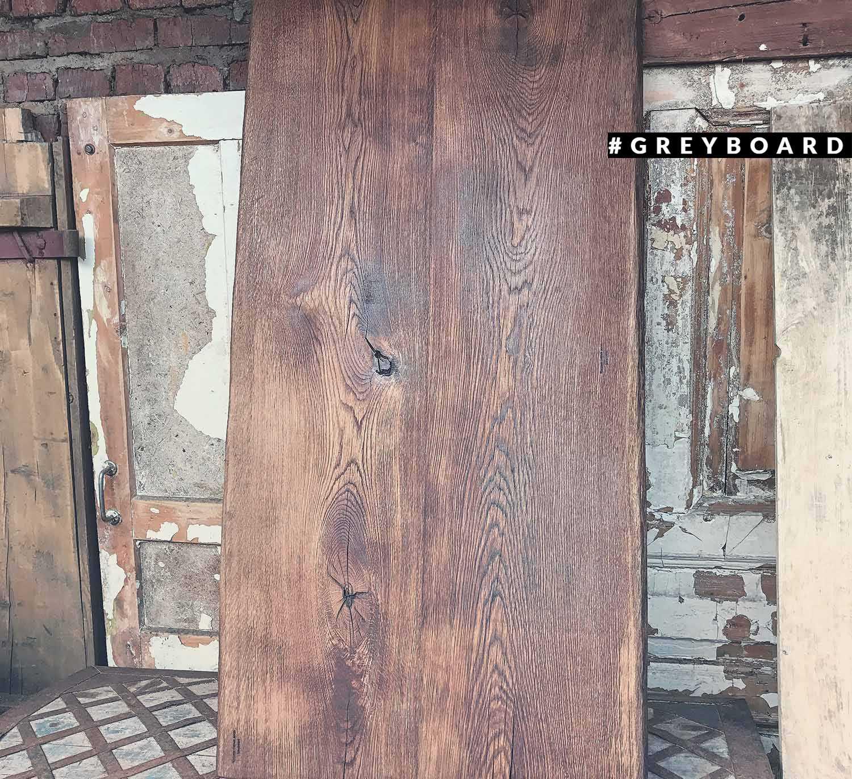 Дубовая столешница из стены старого дома