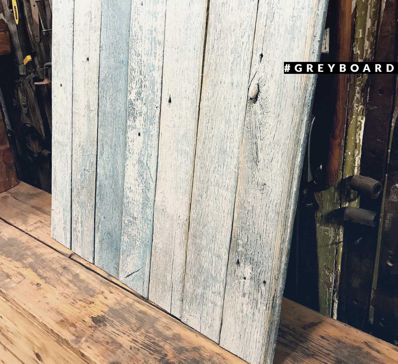 Серо-голубой фотофон из старой доски