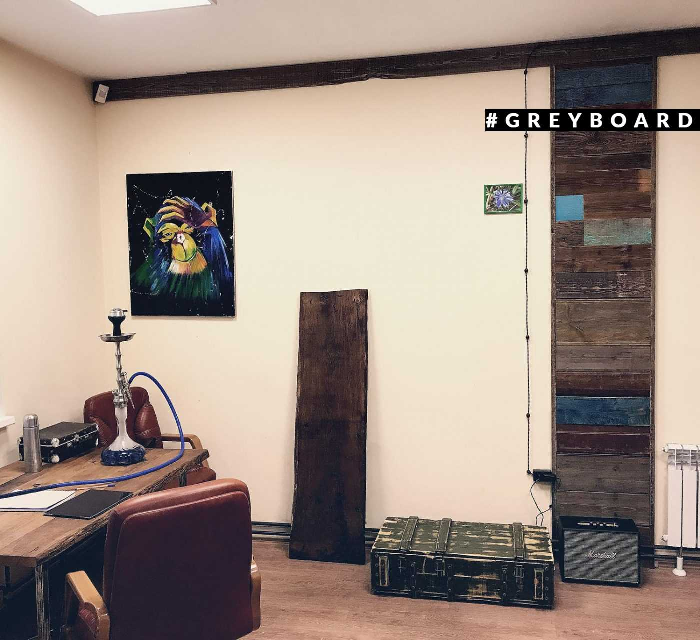 Лофтовый стол из старой дубовой доски