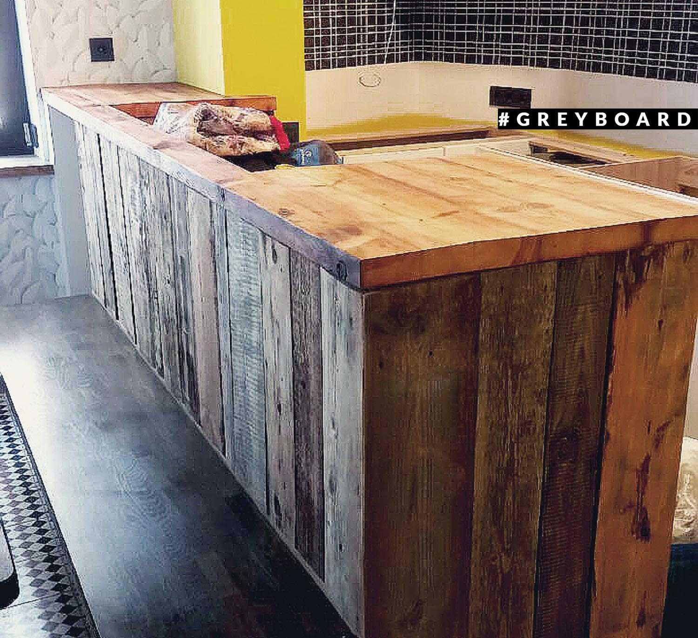 Кухонная столешница из настоящей амбарной доски