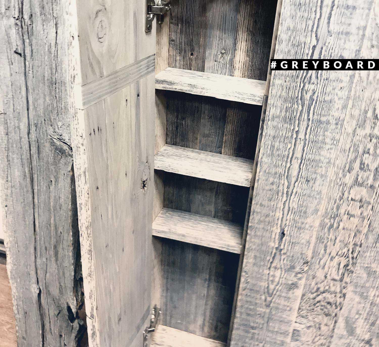 Шкаф из амбарной доски 50-х годов