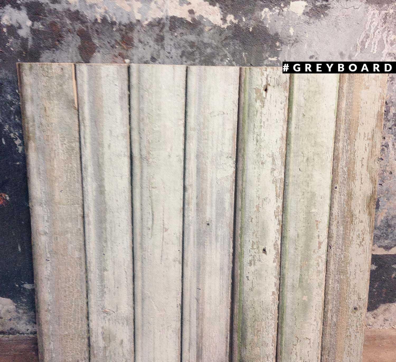 Фотофон из старой сосновой доски