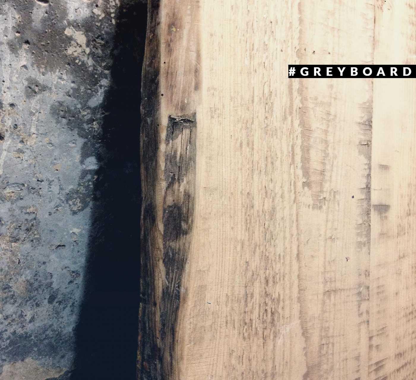 Столешница из амбарной доски домашнего хранения