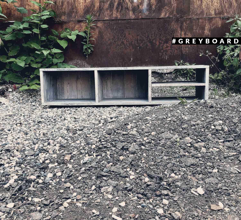 ТВ-тумба из старой хвойной доски