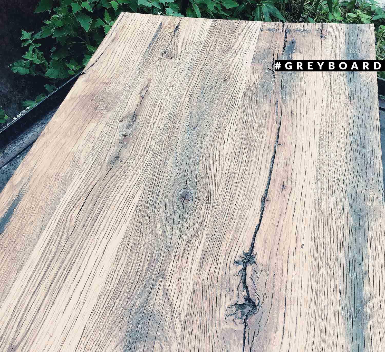 Столешница из старого дуба с красивой трещиной