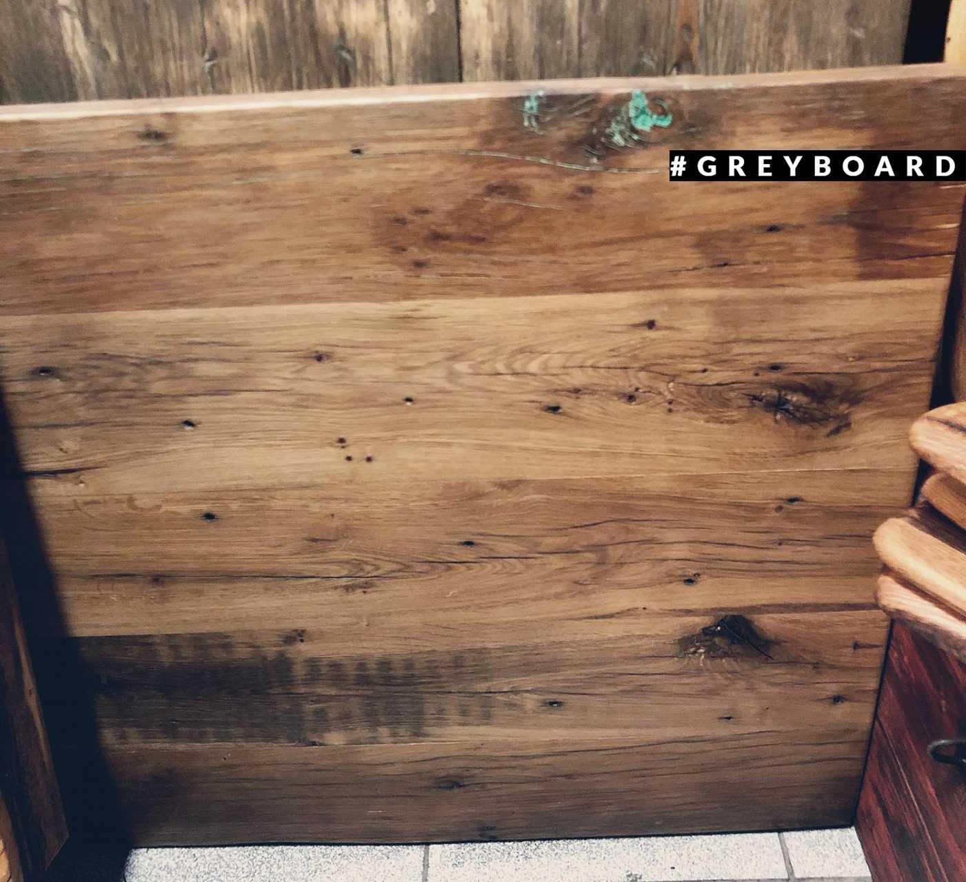 Столешница из амбарной доски от старого казачьего куреня