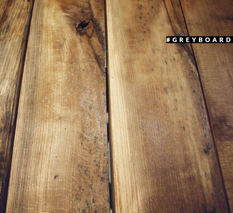 Лаконичная столешница из амбарной доски
