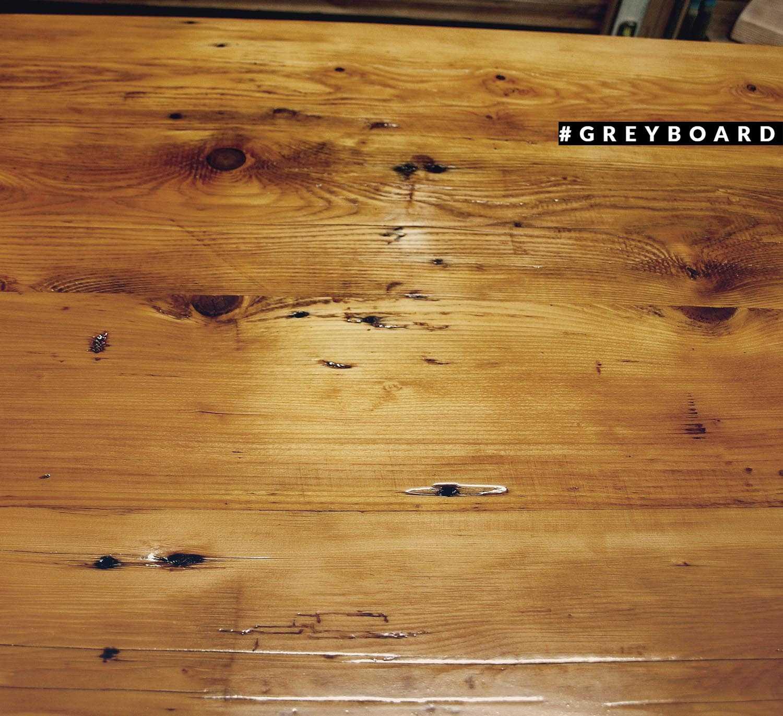 Столешница из старой доски хвойных пород домашнего хранения