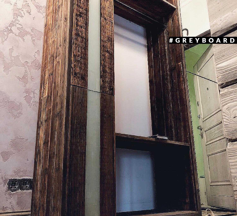 Шкаф в прихожую из амбарной доски