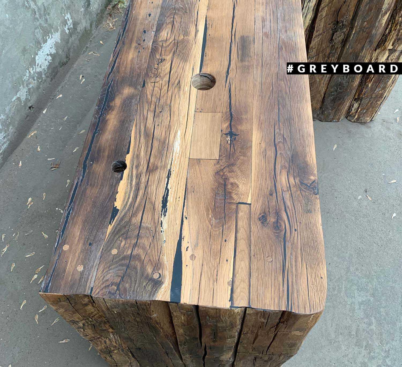 Консоль из старого дубового бруса