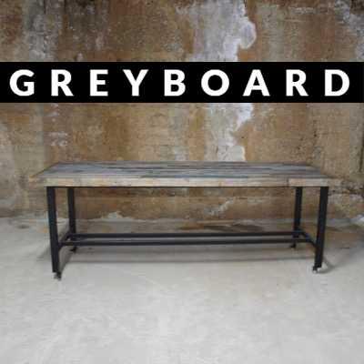 Переговорный стол из старых досок