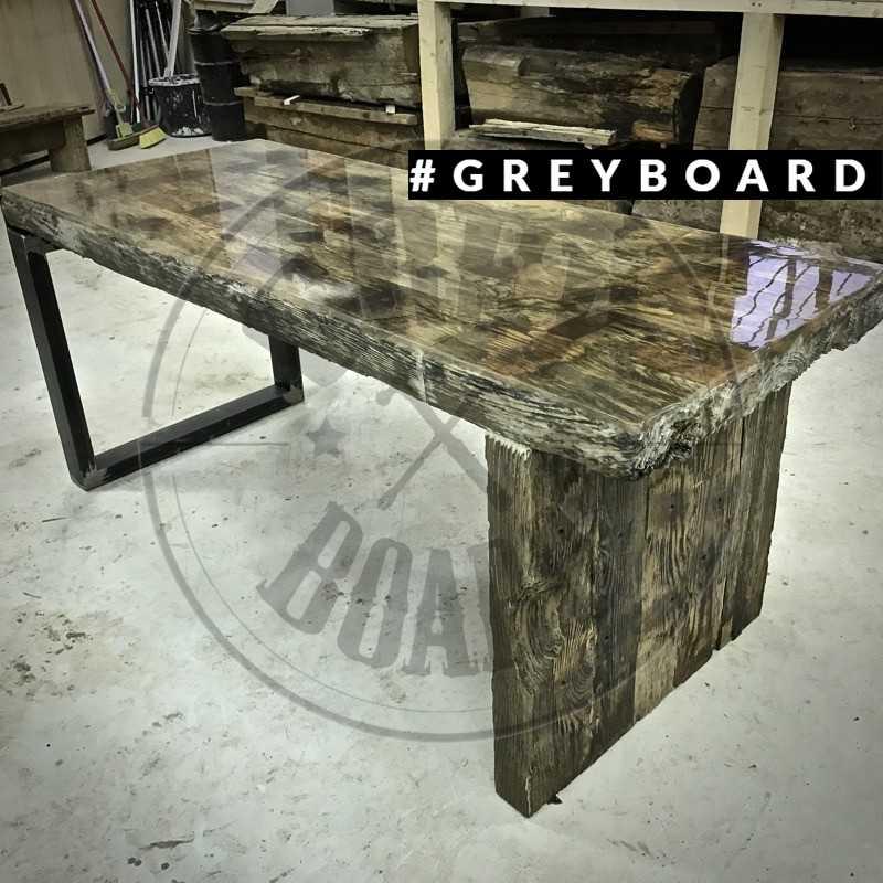 Переговорный стол из топляка