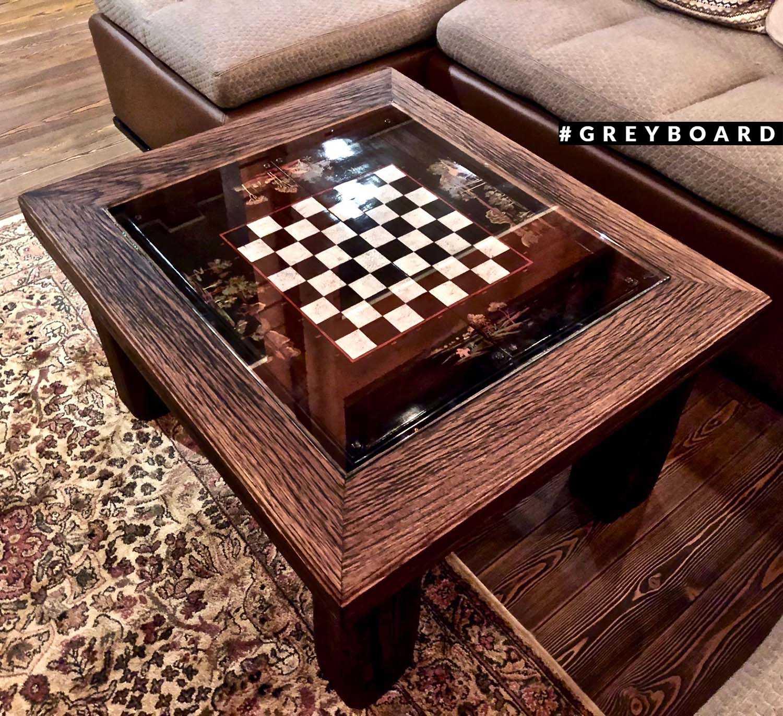Кофейный стол из старой доски