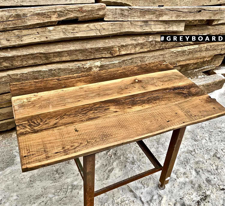 Столешница из амбарной доски для большого стола