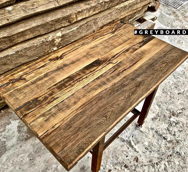 Столешница в стиле лофт из старой доски