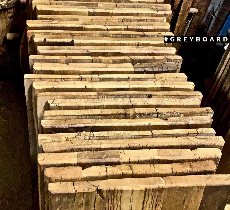 Столешница из старой дубовой доски