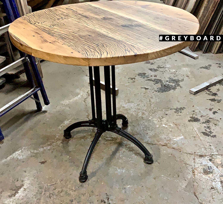 Стол из старого дуба с чугунным подстольем