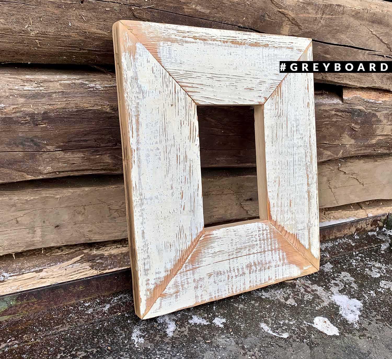 Беленая рамка из амбарной доски
