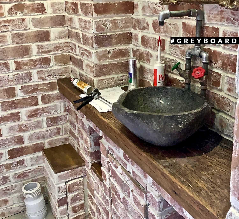 Столешница под раковину из старой дубовой доски