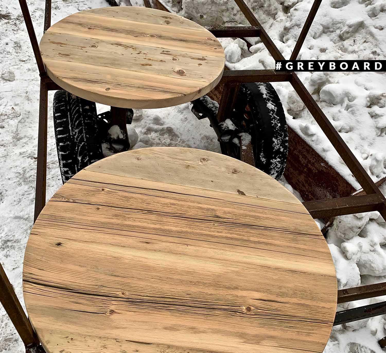 Лаконичная столешница из амбарной дубовой доски
