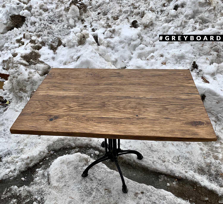Стол из старого дуба на элегантном подстолье