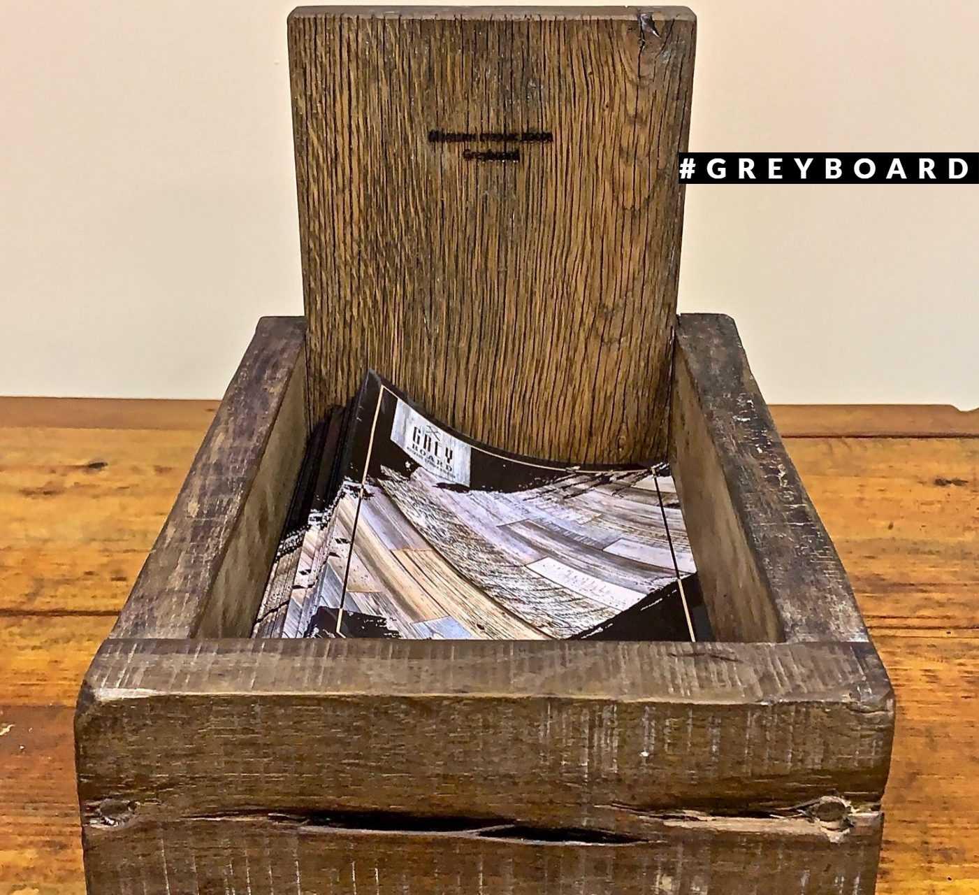 Ящик из старого дуба