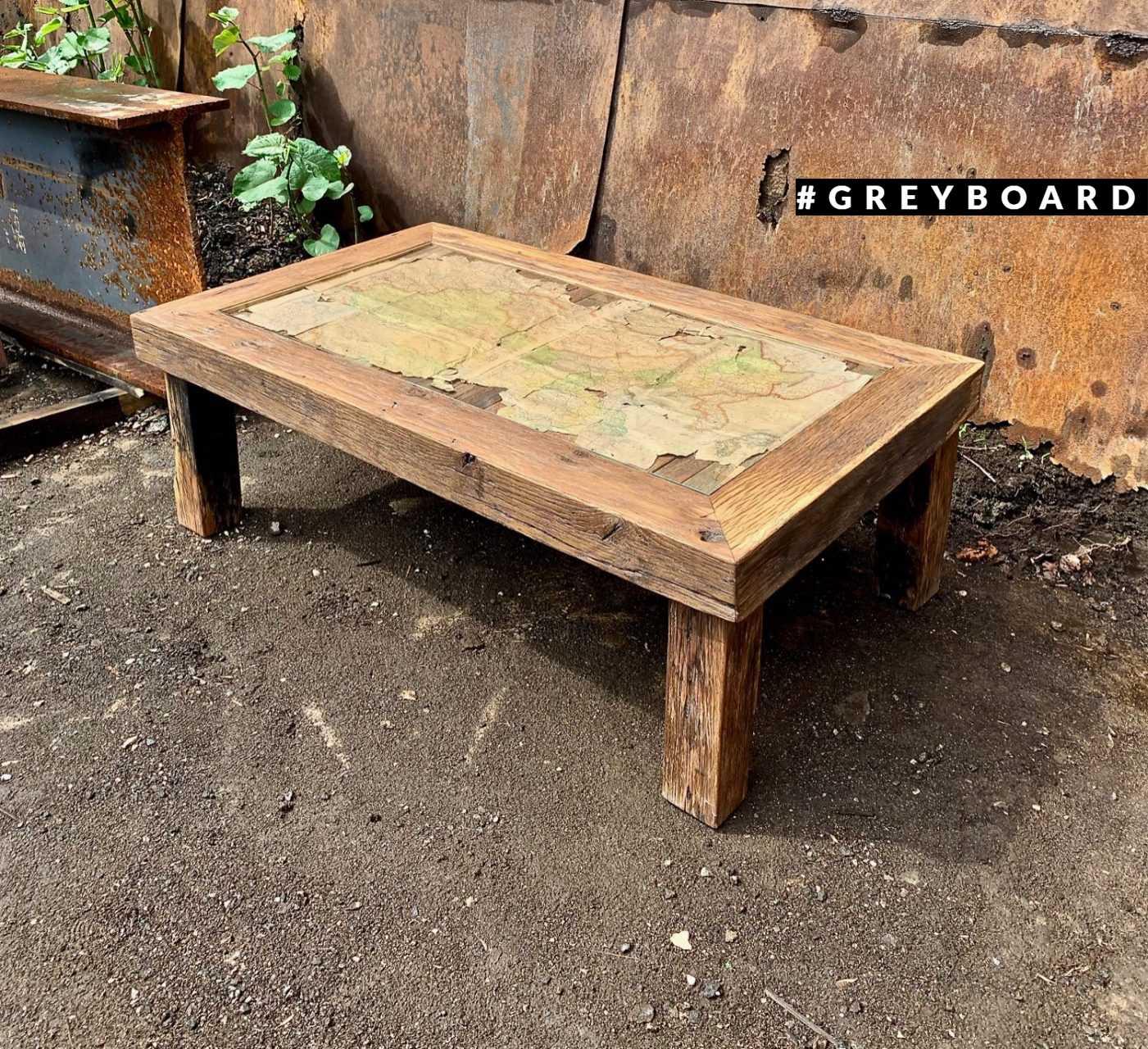 Большой кофейный стол из амбарного дуба
