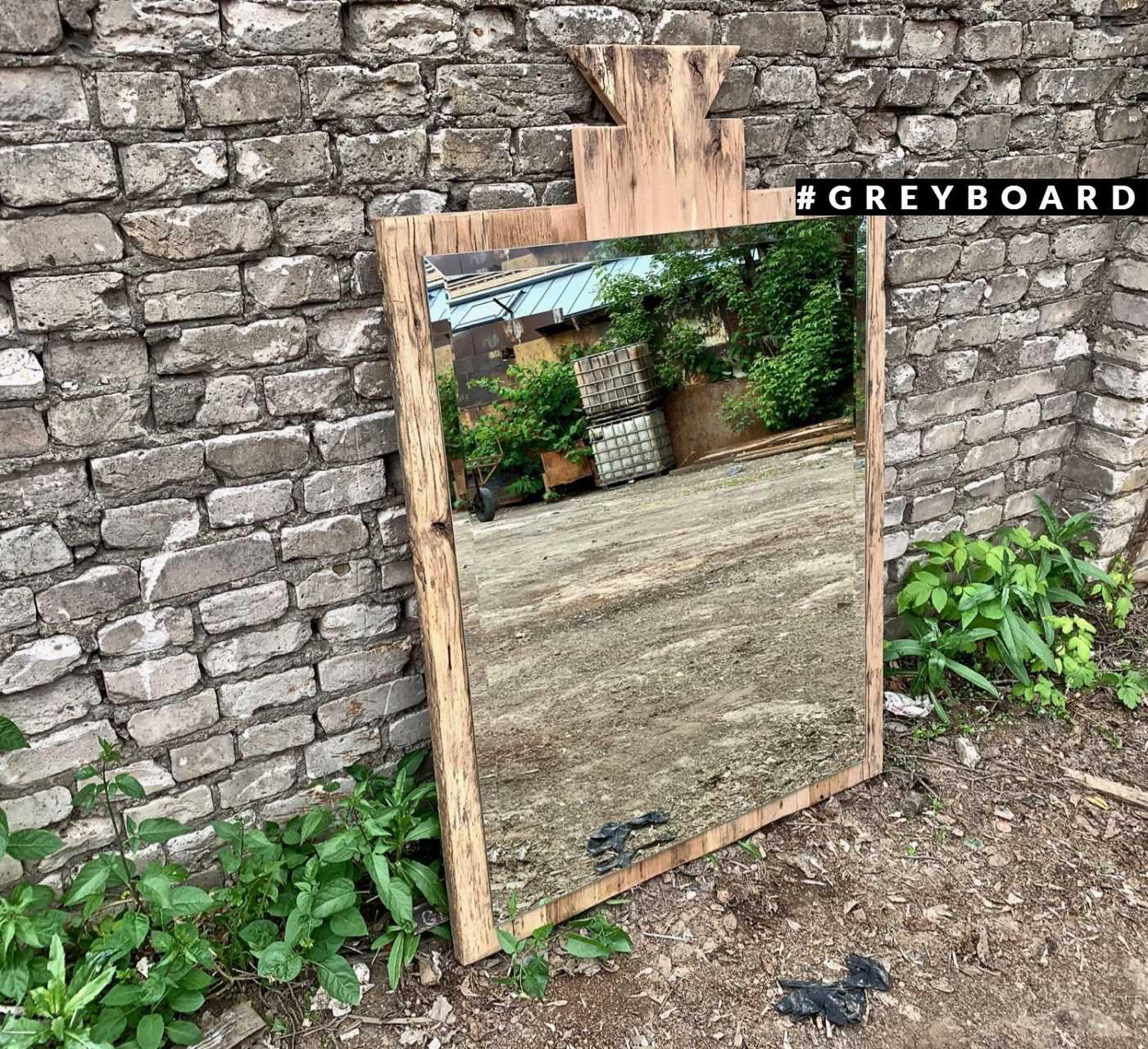 Зеркало в оригинальной буковой раме
