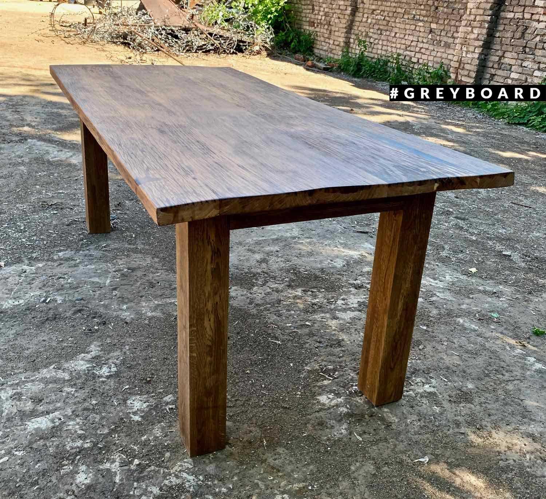 Брутальный стол из старой дубовой доски
