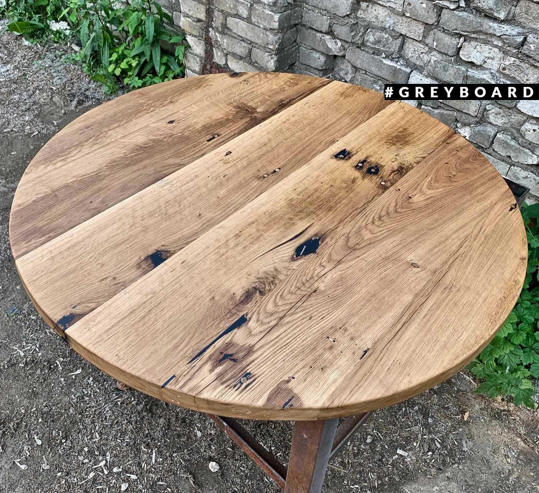 Столешница из серо-коричневой старой доски