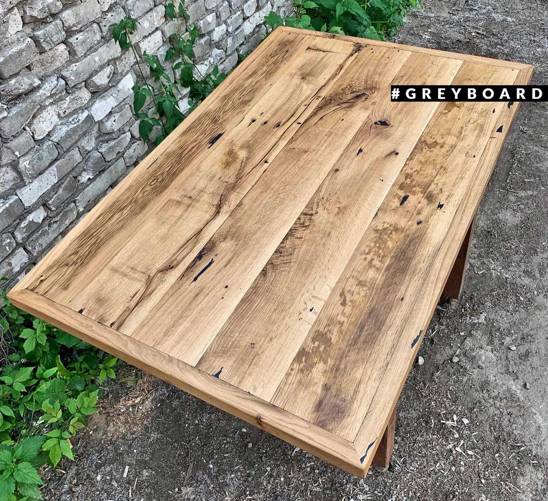 Столешница из амбарной доски для обеденного стола