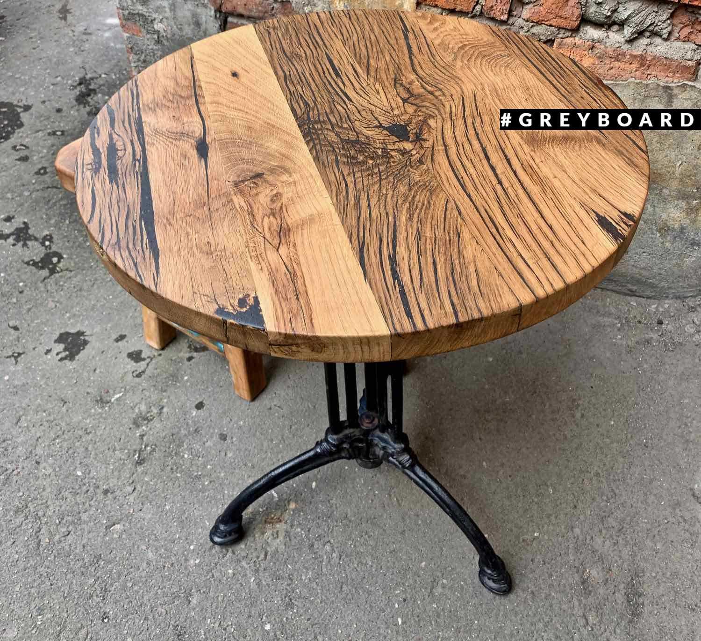 Дубовый стол с чугунным подстольем