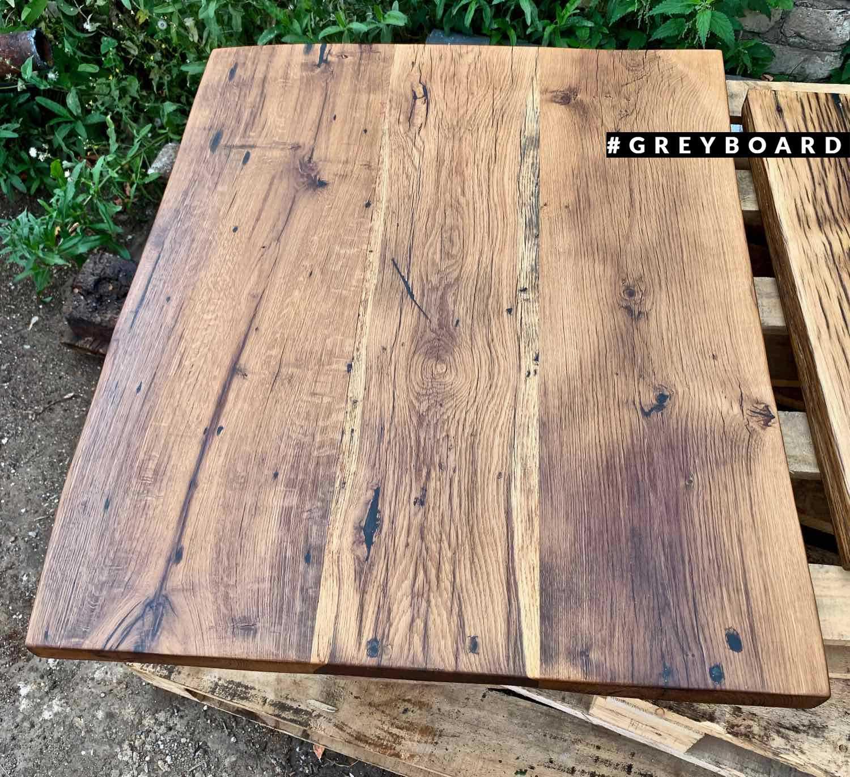 Квадратная столешница из старой дубовой доски