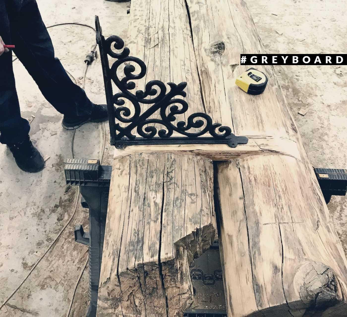 Старая потолочная доска из крестьянской избы