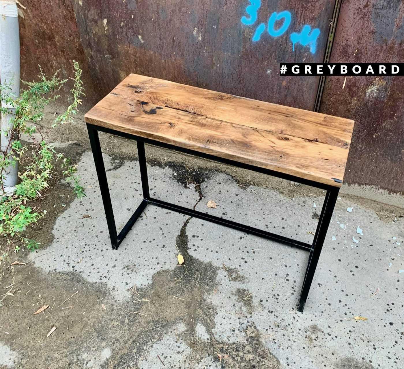 Стол-консоль из старой доски