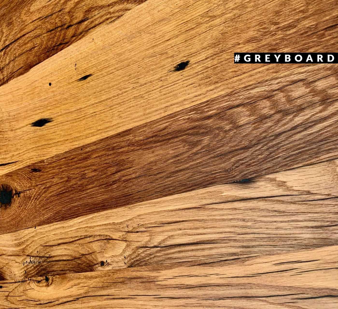 Столешница из медово-коричневой амбарной доски
